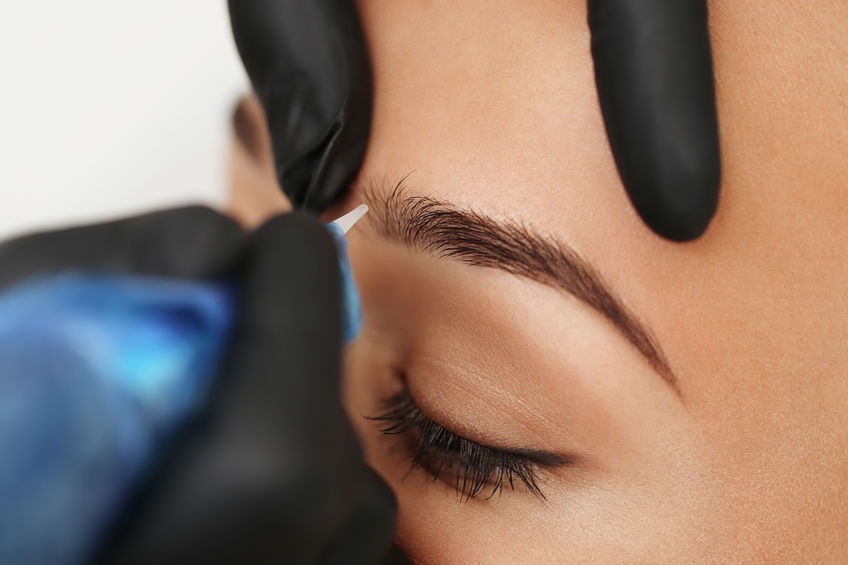 Image showing microblading in relation to does permanent makeup last